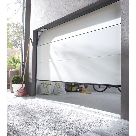 Porte de garage sectionnelle Palma, acier blanc rainurée, 200 x 240cm #matériaux #menuiserie #bois #travaux #amenagement #magasin #leroymerlinguérande #Guerande #loireatlantique #bricolage #catalogue #maison #france