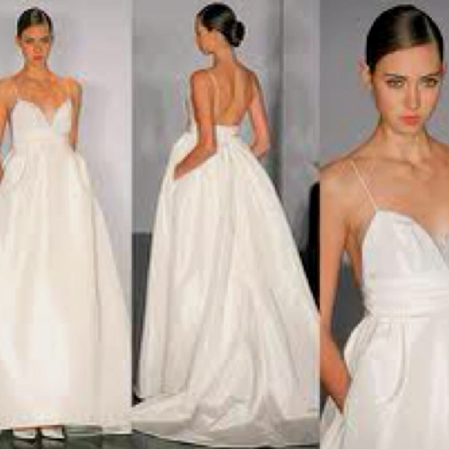 my wedding dress it 39 s vera wang and it has pockets
