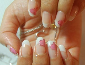 French Heart Nails
