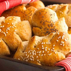 Rolls aren't forbidden when you have diabetes. One batch yields 24 rolls, so bake these fluffy multigrain buns for the whole family.