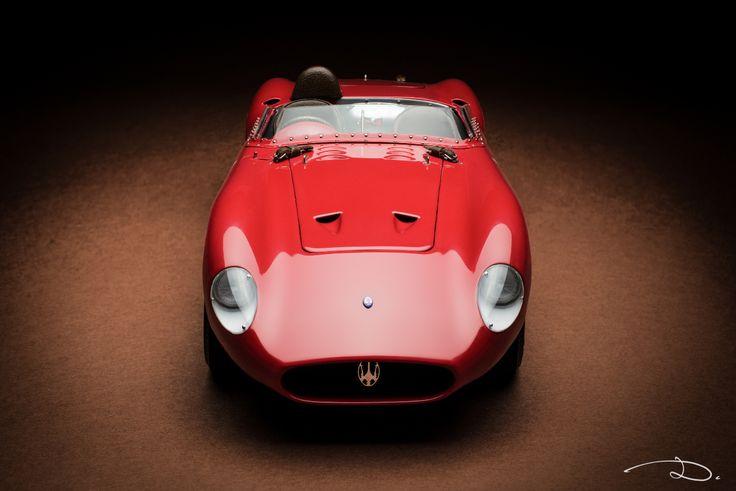 CMC Maserati 300S (item M-105) in 1:18th scale