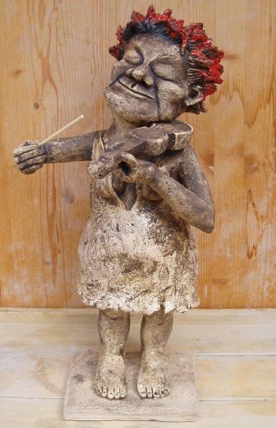 Violinist, ceramic sculpture Michaela Stejskalova