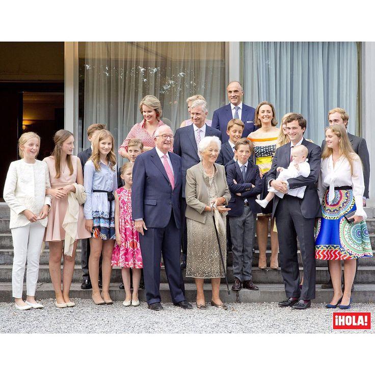 La Familia Real de los belgas se reúne al completo por el 80º cumpleaños de la reina Paola. #royals #belgica #familiareal #reina #reinapaola