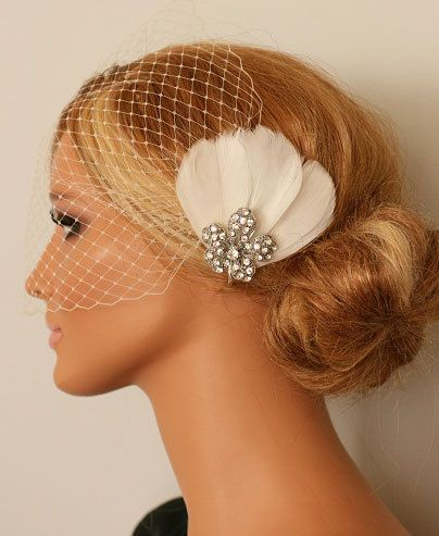 something like this, but longer feathers (but not the feathers going all over the place)