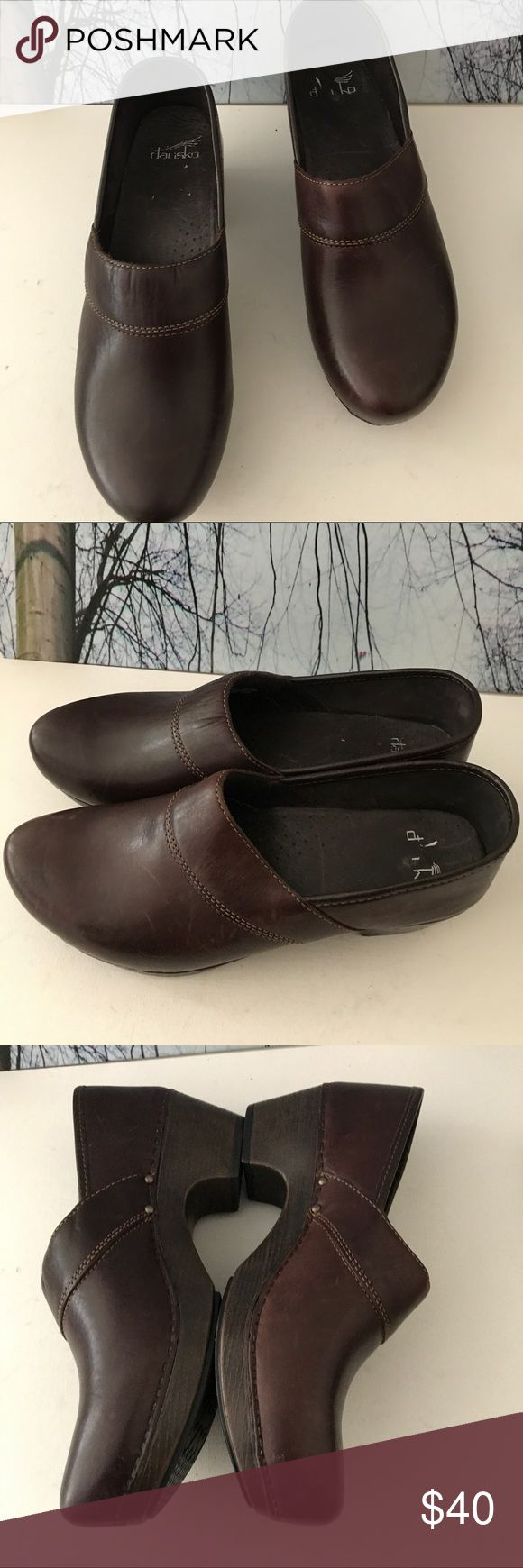 ❇️VERY FIRM ‼️‼️Clogs. Sale till 11/26/17✅ Dansko  Professional Clogs in gently used Condition. Barley worn Shoes, looks New. Size:11 Dansko Shoes Mules & Clogs