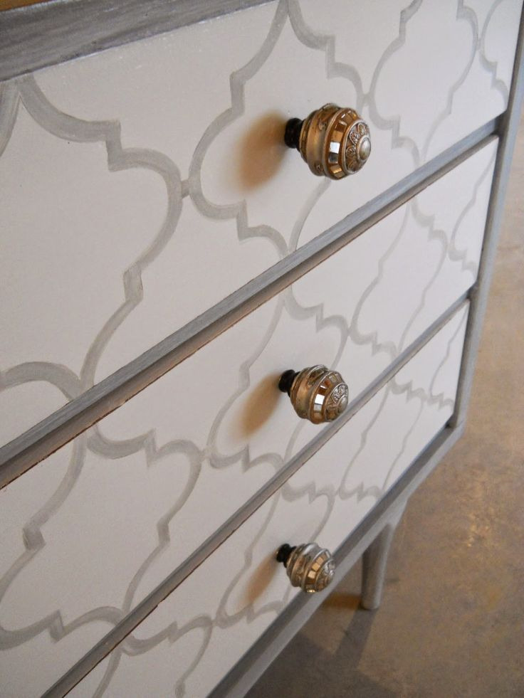 chevron painted furniture. Lake Girl Paints: Painted Patterns On Furniture - Quatrefoil And Chevron