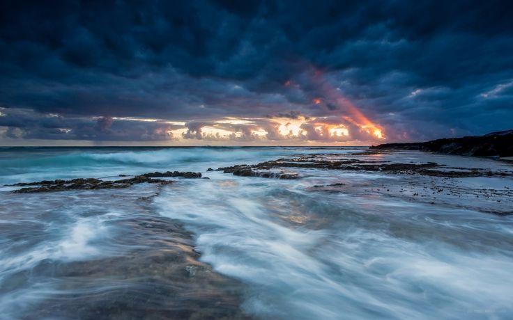 http://nominature.com/wp-content/uploads/2015/12/beaches-dark-clouds-cloud-sea-storm-background-pictures.jpg