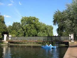 London?  Yes, Regents Park - boating, beautiful :)