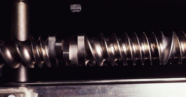Como cortar acrílico com uma ferramenta rotativa da Dremel . As ferramentas rotativas Dremel permitem que os usuários trabalhem com uma ampla gama de materiais. De metais e madeira a fibra de vidro e acrílico, essas ferramentas executam as tarefas de forma rápida e eficiente. Elas cortam os materiais em velocidades muito altas (de 10.000 a 35.000 RPMs), de forma que os cortes são de alta qualidade e ...