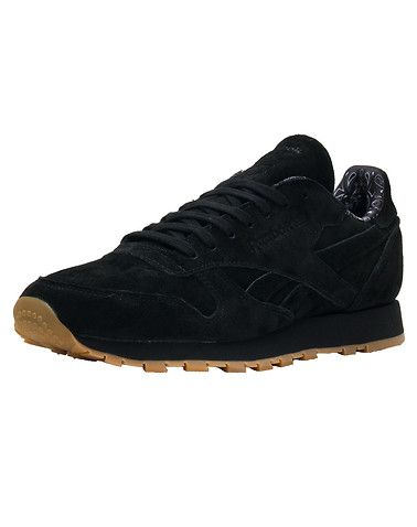 965183c6b99 REEBOK Classic Leather Men s low top sneaker Lace closure Pigskin nubuck  upper Graphic print on heel... True to size. Synthetic Materials. Black  BD3230.