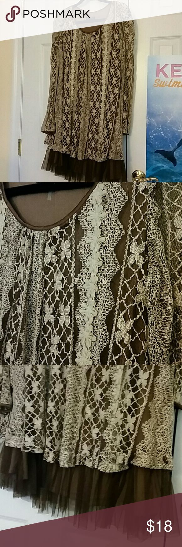 Lace dress with tulle trim, modcloth Adorable lace dress, flapper-esque. Like new- only worn once. Brown with cream/light tan lace. The body is lined in a brown comfy jersey fabric. Back is embellished with adorable satin bows, as pictured. Looks great layered with pearl necklaces! Dresses Midi