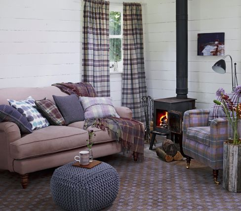 Tartan style sitting room, I LOVE tartan and this looks so very cosy.