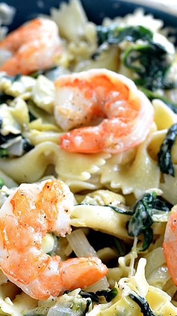 Garlic Roasted Shrimp with Spinach Artichoke Pasta Would have to tweet ...