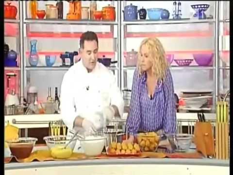 ▶ Ricetta: Profiteroles al cioccolato di Sal de Riso - YouTube