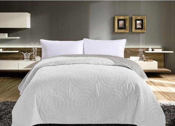 Bílý přehoz na postel oboustranný