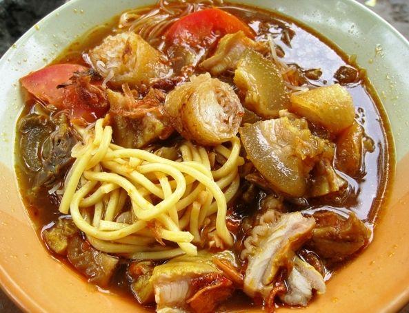 Slruup! Gurih Hangat Soto Mie, Sop Kambing, dan Mie Ayam (2)