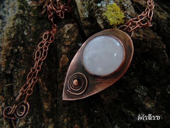 Copper pendant with roze quartz by JewellerybyWedleen on Etsy