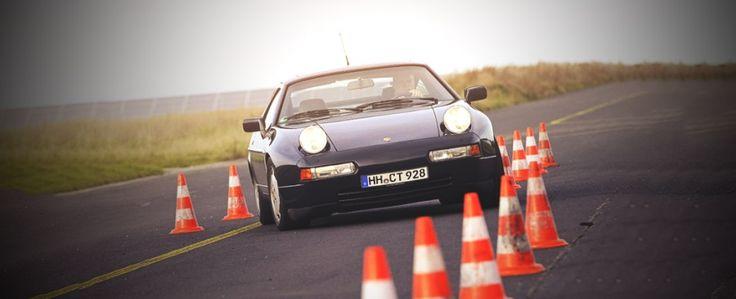 1986 Porsche 928 S4 - driven