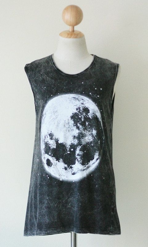 The Moon White Bleached Black Tank Top Singlet Sleeveless Women Art Punk Rock T-Shirt Size M: