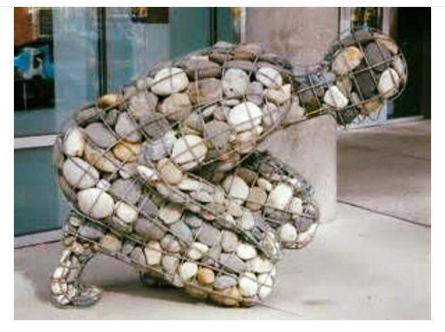 The weight of grief │Amazing artist (Celeste Roberge) found a way to convey the physical feeling of grief.