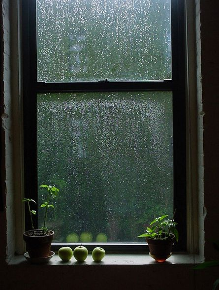 Rainy weather- rain makes any scene more gloomy so why not have it here to correspond with Juliet's sadness?
