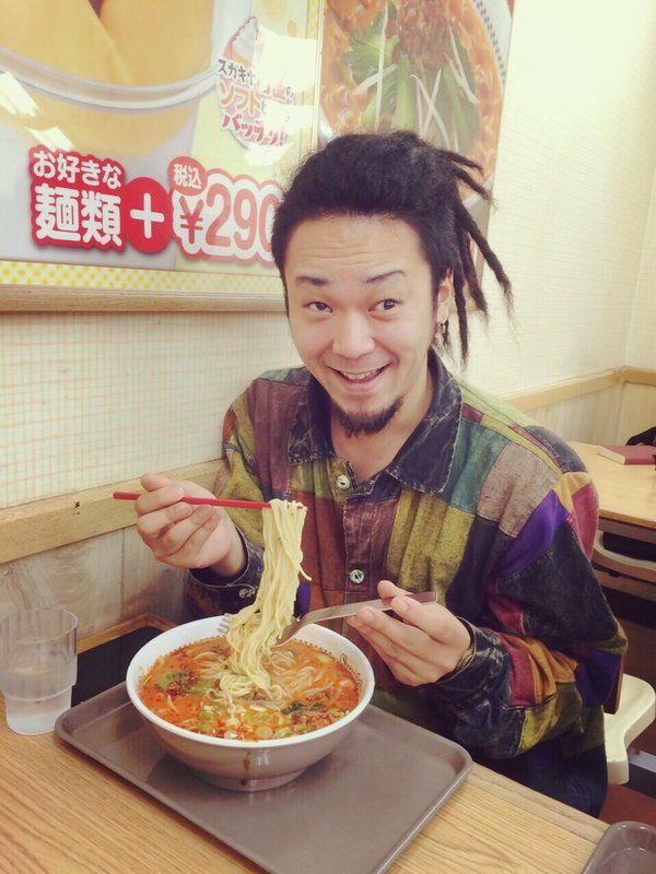そうそう、お昼は名古屋出身のシュンスケさん、弓木パイセン&玉ちゃんとご当地グルメのスガキヤでラーメンをいただきました☺︎ 同じ頃土岐さんはこれ! https://t.co/V4f2nZHmz0