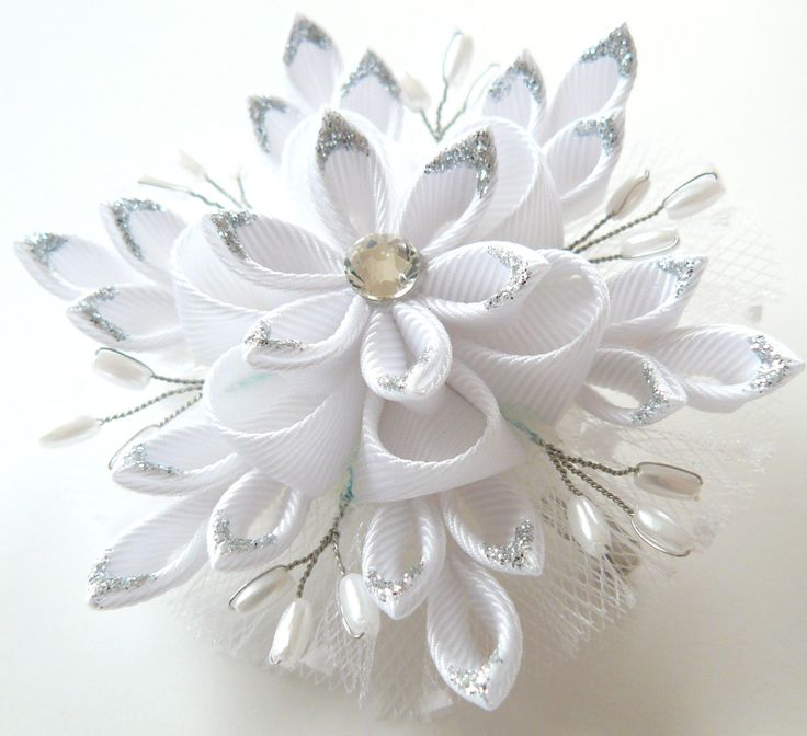 Christmas Snowflake Kanzashi fabric flower hair clip by JuLVa