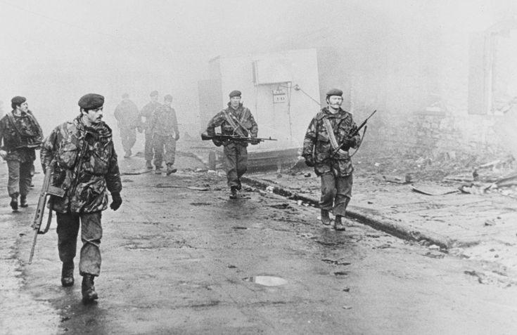 2nd Battalion The Parachute Regiment Enter Port Stanley on foot 1982. (Falklands War) [960 x 623]