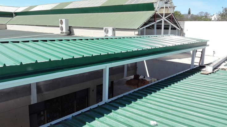 Malmesbury Shopping Centre Walkway replacement #roofing #construction #colorbond