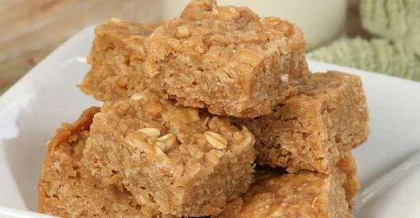 3 Ingredient Peanut Butter Oat Squares