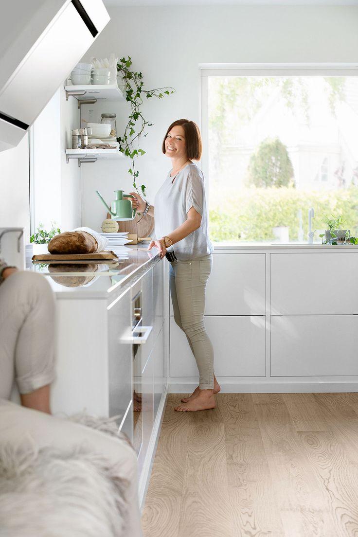 Platsbyggt kök? Med vår vita kökslucka Bistro i konceptet Classic får du ett traditionellt kök med platsbyggd känska. Hitta din köksinspiration hos Ballingslöv!