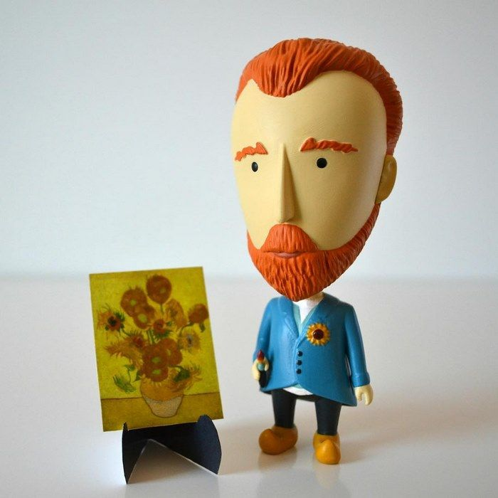 If you're a fan of the legendary Vincent van Gogh, this awesome new action figure is perfect for you!