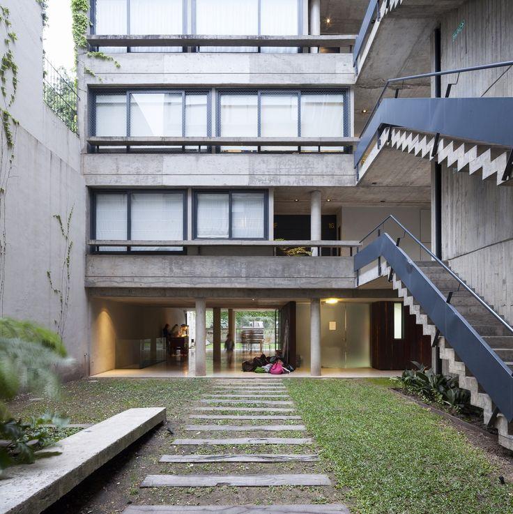 Edifício Acuña de Figueroa / Estudio Abramzon + Estudio ZZarq
