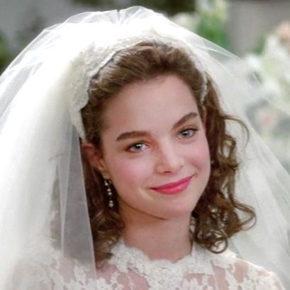Father of the Bride Annie Banks (Kimberly Williams)  Her dress was perfect, a beautiful bride.
