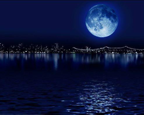 TOCCAMI IL CUORE - Aurora Foscari  Toccami il cuore sfiora con le tue mani di luna le mie palpebre. Tocca i miei pensieri con le tue labbra di notte calda.  Fammi sognare stanotte dentro il tuo sogno  - ©Aurora Foscari - Copyright©2012 Tutti i diritti riservati all'Autrice