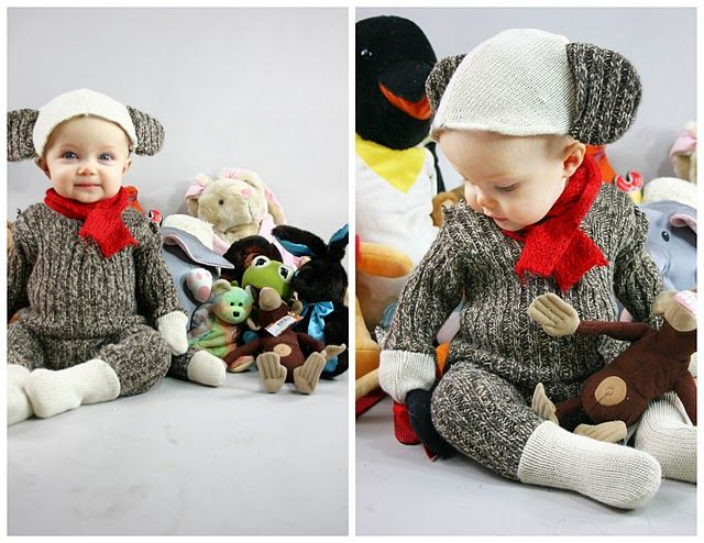 sock monkey. babies arent in my near forseeable furture but this is soo cute!