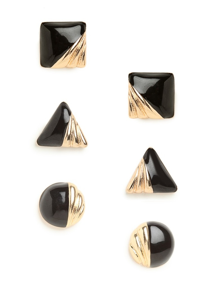 Delight in the graphic simplicity of these Art Deco-inspired stud earrings. They're crafted from slick onyx and embellished with a cool graphic swirl — in gold, no less.