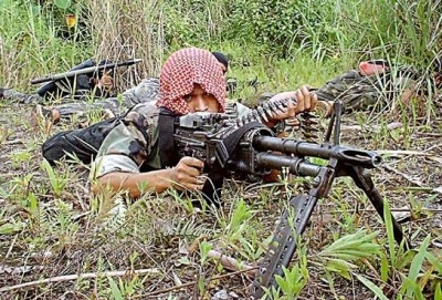 "South Philippines Best Chance for Peace? - For the first time in years, a good news story has come out of the southern Philippines. Earlier today the largest Muslim insurgent organization, the Moro Islamic Liberation Front (MILF), signed a deal with President Benigno Aquino's government. The ""framework agreement"" has been hailed as creating a roadmap to end the decades-long war waged by Muslim insurgents."