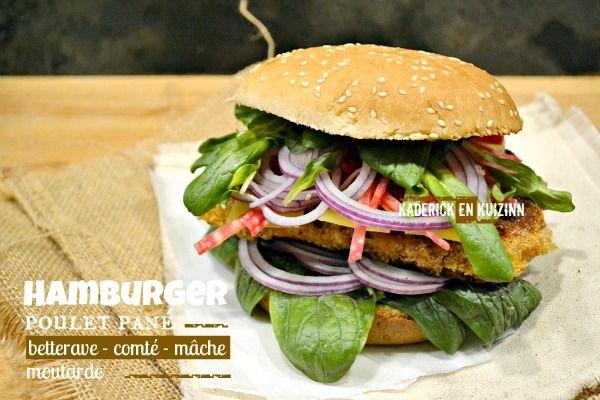 Hamburger poulet pané à la betterave crues en bâtonnets, de la mâche, des rondelles d'oignon violet, de moutarde aux épices et des tranches de comté fondu