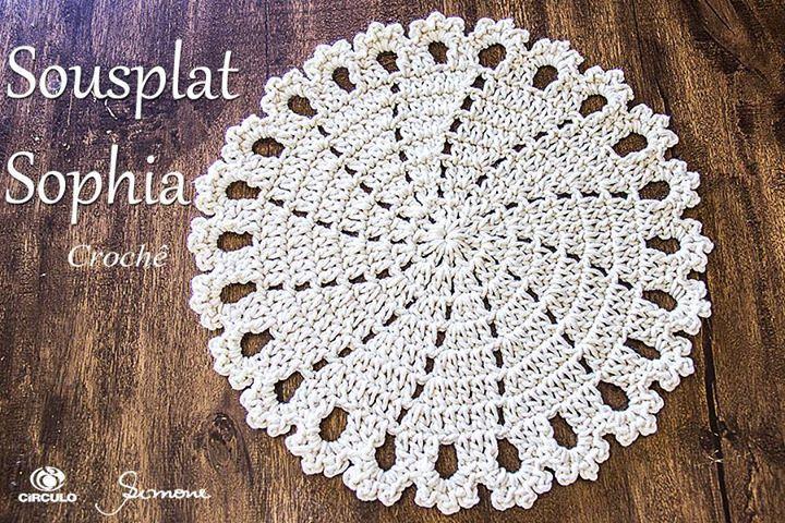 Olá pessoal aula de hoje vamos fazer um Sousplat em crochê? Utilizei o fio Barroco Natural n. 10 da Círculo S/A amei o resultado <3  https://youtu.be/Qyy0al-y6FM #crochet #professorasimone #semprecirculo #barrocoNatural
