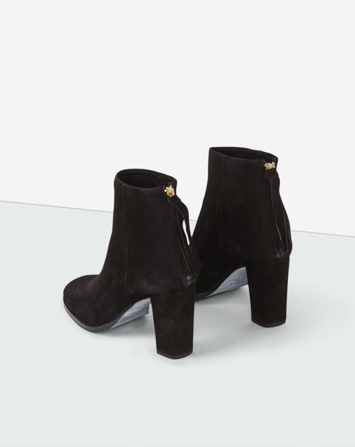 Sophisticated bootie made in soft goat suede. Gold zip in the back. 8 cm heel  covered in main material. Lining and insock in goat leather.