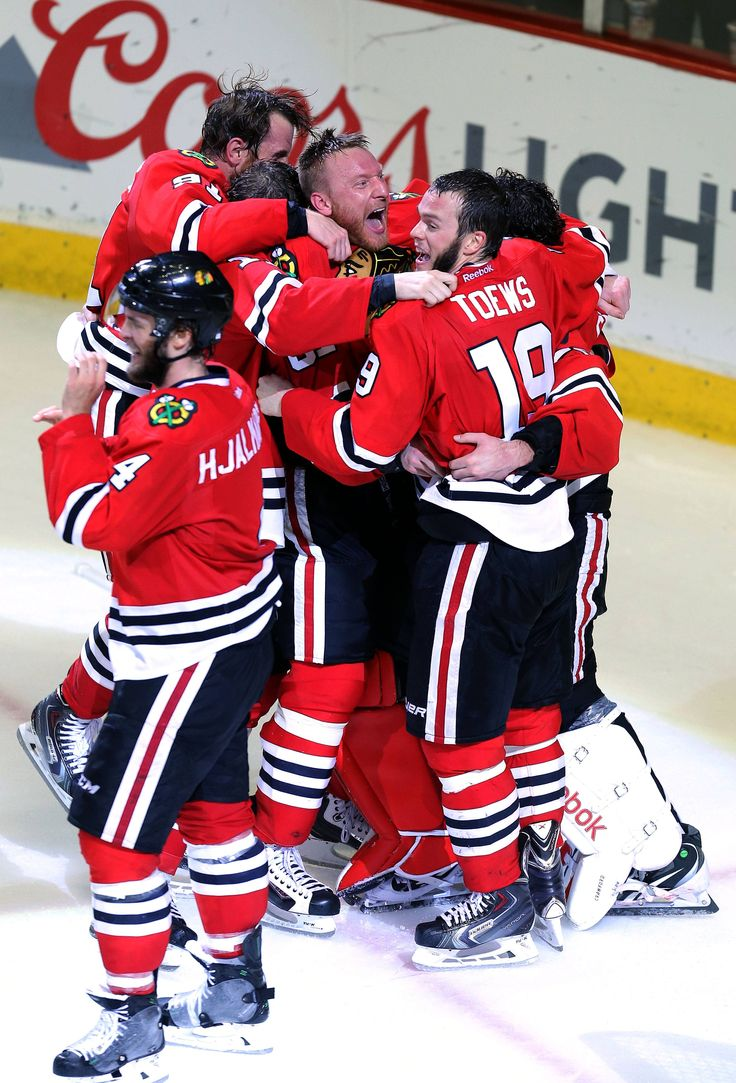 Chicago Blackhawks players celebrate after winning the 2015 Stanley Cup!!!