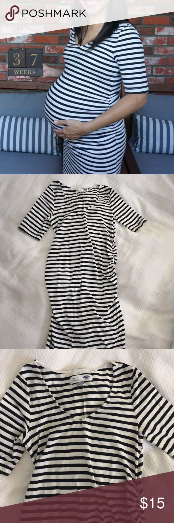 Striped Maternity Dress Black and white striped maternity dress from Old Navy with 1/2 sleeves. Stretchy and super comfortable/soft fabric with lots of room for a growing belly. One of my favorites; very classic and versatile. In good condition. Old Navy Dresses