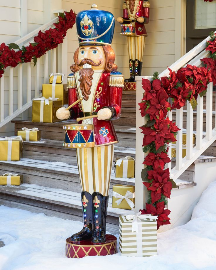 7 best xmas ideas images on pinterest nutcrackers xmas for Animated christmas decoration