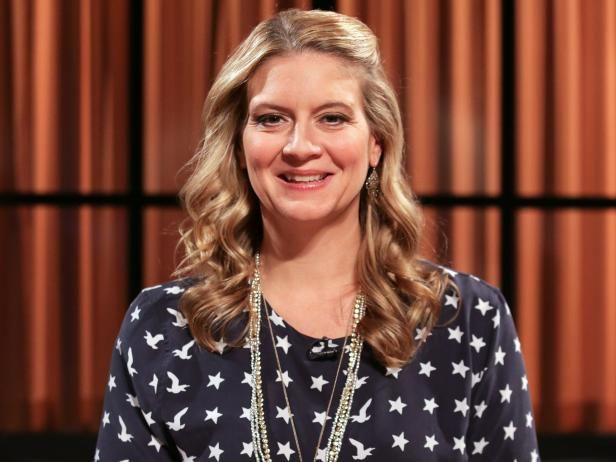 Discover Everything You Wanted To Know About Food Network S Chopped Judge And American Diner Revival Star Amanda Freitag Amanda Food Network Recipes