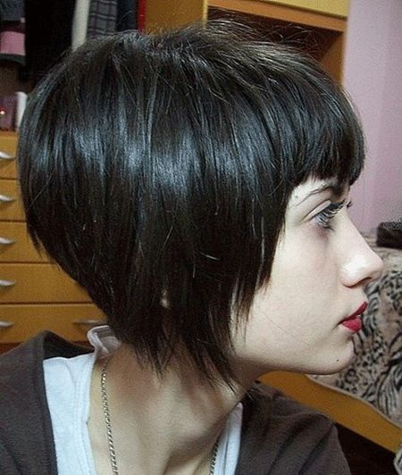 20+ Asimetrik Kısa Saç Modelleri-9