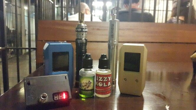 Vaporing with my nemesis + black panzer + 2 Gi's with my OHM meter and my 2 fav juices