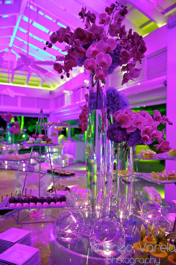 68 best wedding centerpieces images on pinterest diy wedding centerpieces wedding bouquets. Black Bedroom Furniture Sets. Home Design Ideas