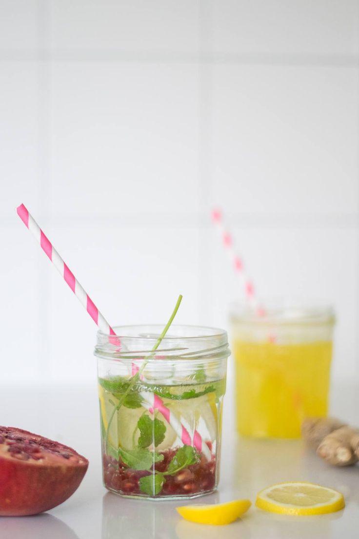 Warme winterlimonade met citroen, gember, kardemom of met granaatappelpitjes en verse munt. Meteen een dosis vitamine c te pakken.