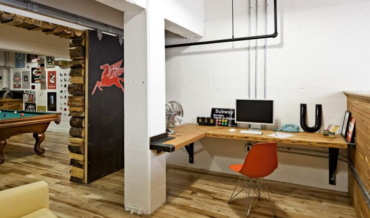 30 Inspirational Examples Of Wooden Offices.